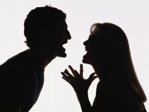 living in well being image showing couples with aggressive behavior
